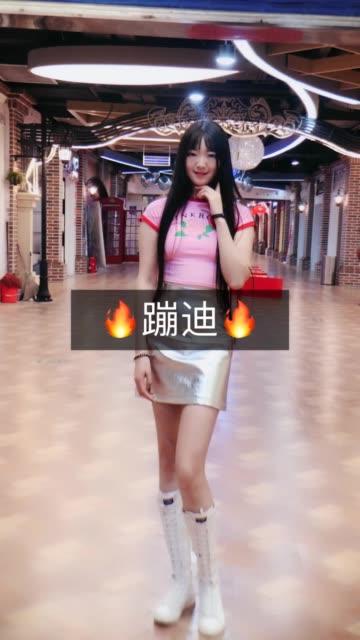 街拍佳人杨小萌自拍视频_第19期